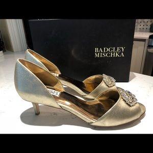Badgers Mischka Petrina D'Orsay, size 10 (gold)